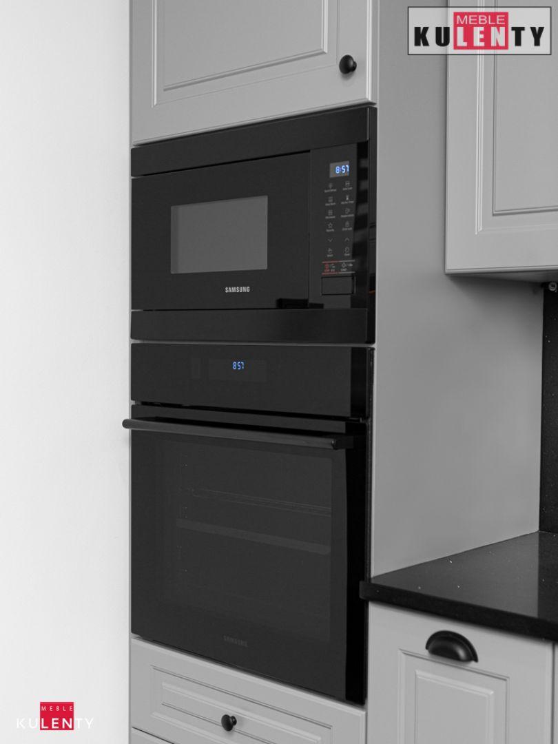 Czarne agd w kuchni BhC1