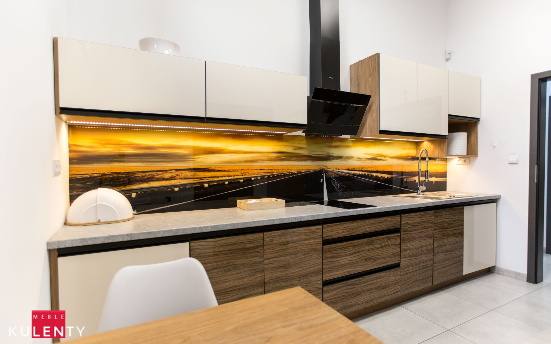 Fototapeta lacobel w kuchni